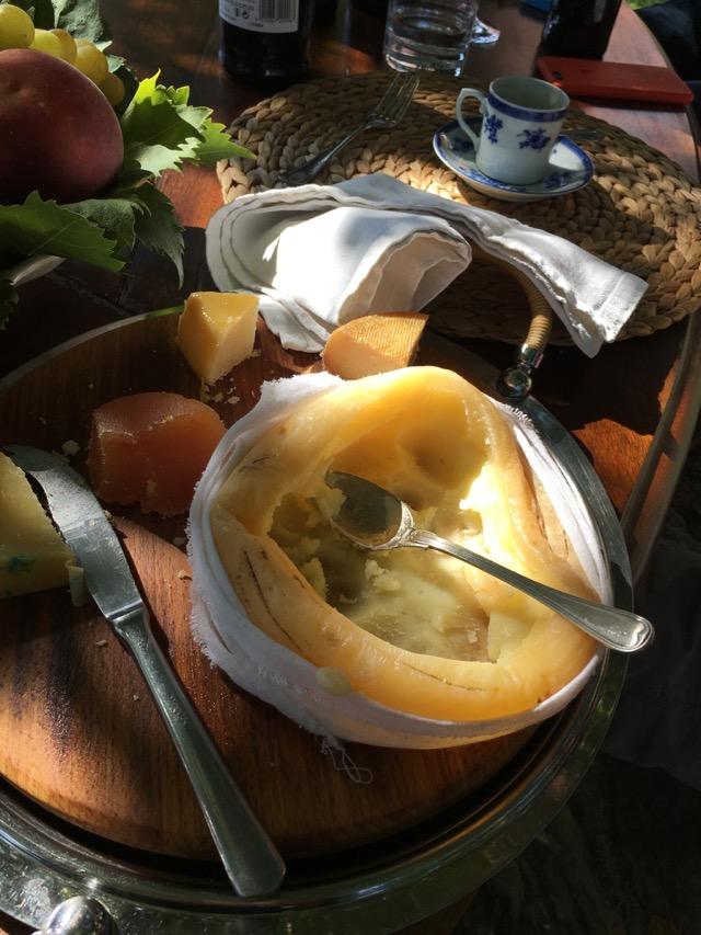 Cheese_at_Lunch_QDBomfim